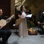 ¡Un banquete musical; Música española para comer, cantar y bailar!